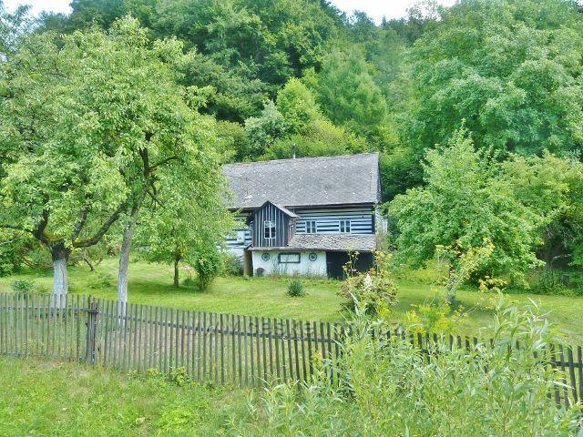 Štědrákova Lhota - rekreační chalupa v dolní části obce