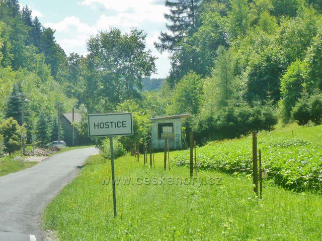 Hostice - místní tabule na horním konci obce