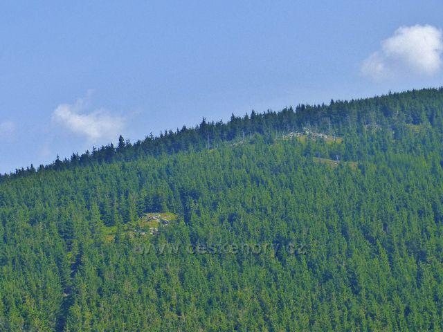 Dolní Morava - pohled na úbočí Hraničních skal z vrcholu Hleďsebe