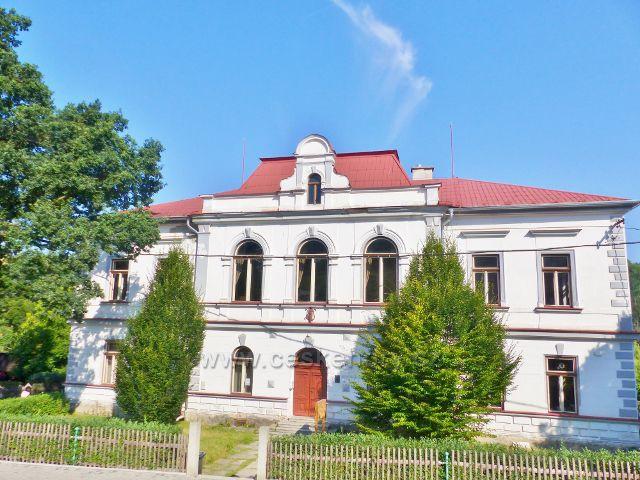Bečov nad Teplou - hudební škola Josefa Labitzkého