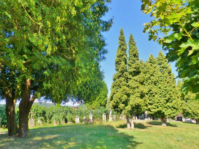 Bečov nad Teplou - německá část hřbitova
