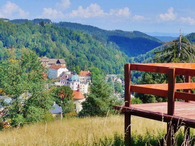 Bečov nad Teplou - pohled z Vyhlídky na zámek