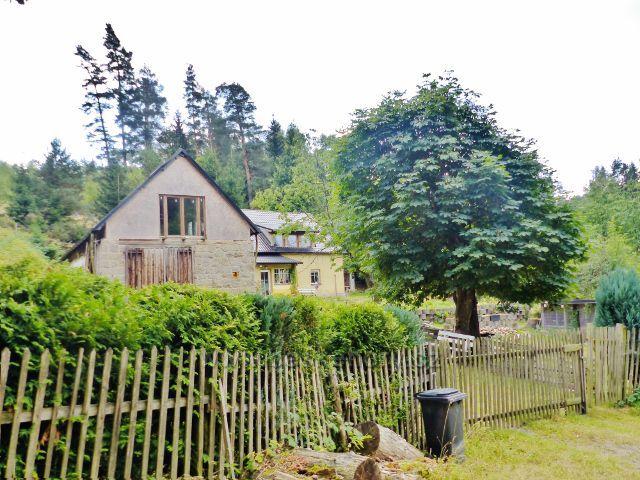 Bečov nad Teplou - bývalá hájovna u cesty ke Třem rybníkům nebo k Vitriolce (Šilingrova hájovna)