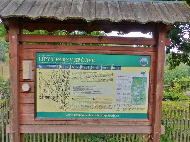 Bečov nad Teplou - informační tabule u památných lip u fary
