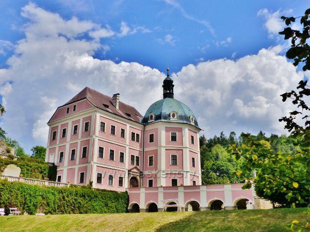 Bečov nad Teplou - zámek