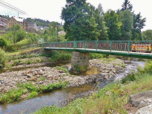 Bečov nad Teplou - mostek pro pěší přes řeku Teplou