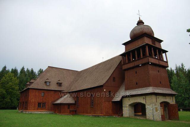Dřevěný kostel v obci Svätý kríž