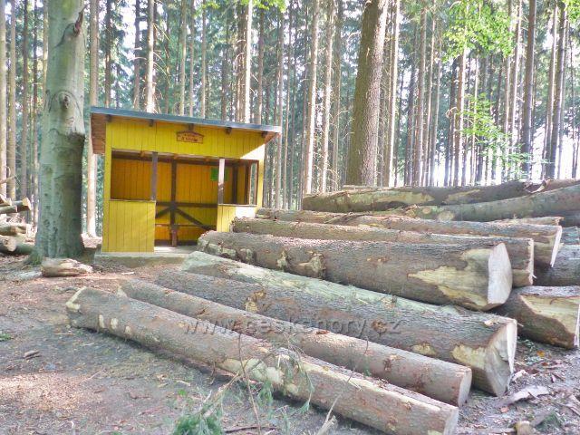 Karlovy Vary - lesní chata U Křížku
