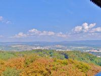 Karlovy Vary - pohled z rozhledny Diany k Doubí a na Krušné hory