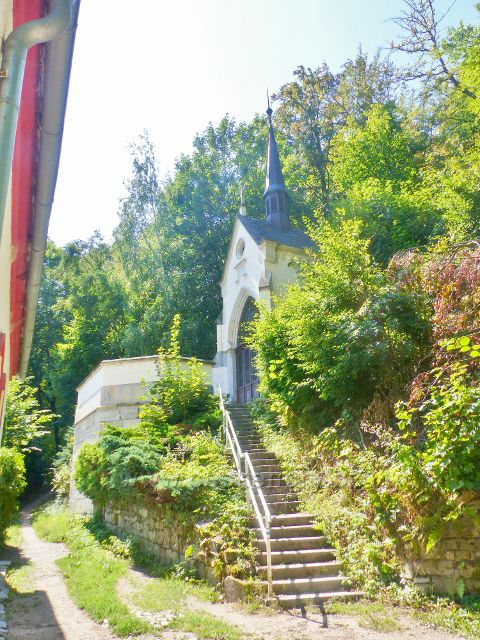 Karlovy Vary - Mariánská kaple nad hotelem Pupp