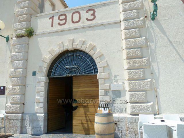 První dalmatská vinařská zádruha