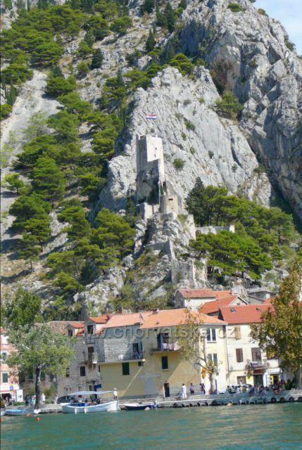 Omiš pevnost Mirabella ze 13.století