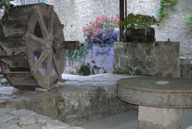 Omiš - kaňon řeky Cetiny a Radmanove mlinice