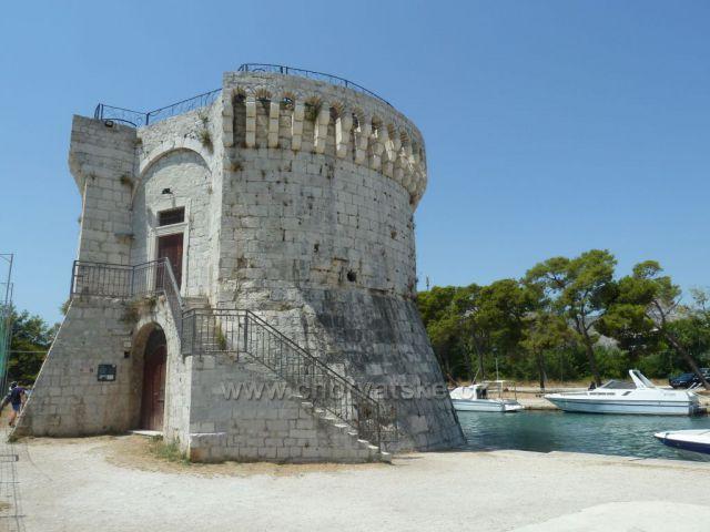 Trogir  věž Sv.Marka z 8. století