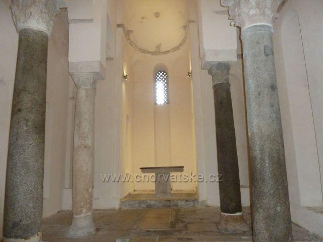 Trogir kostel Sv.Mikuláše z 11.století