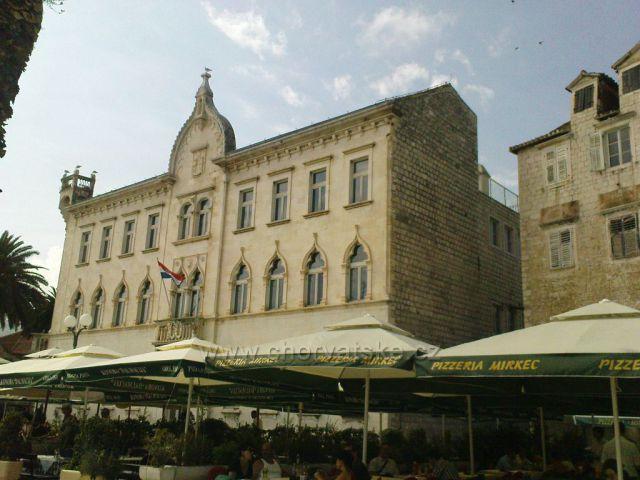 Trogir palác Lucičů?