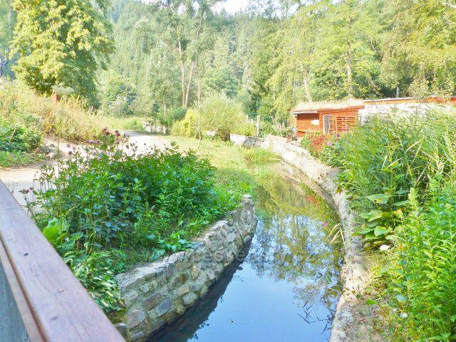 Bečovská botanická zahrada - přivaděč vody z řeky Teplé do Korunního rybníku