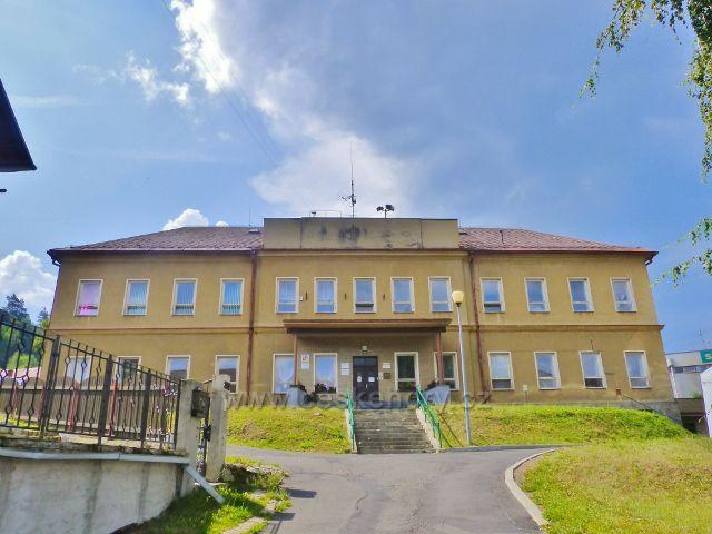 Bečov nad Teplou - Základní škola