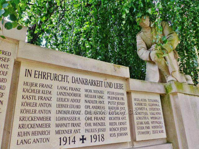 Bečov nad Teplou - Památník padlým v I.Světové válce