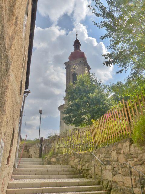 Bečov nad Teplou - schody ke kostelu sv. Jiří