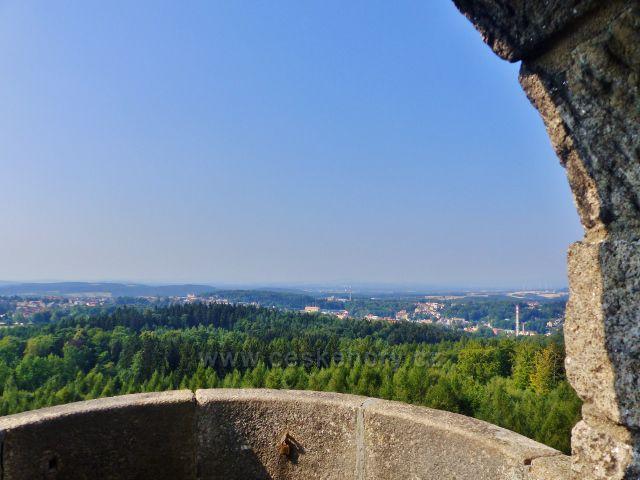 Aš - pohled z rozhledny Háj na město