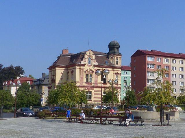 Aš - historická budova vedle pošta na Poštovním náměstí