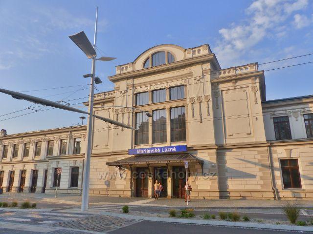 Mariánské Lázně - hlavní budova nádraží ČD
