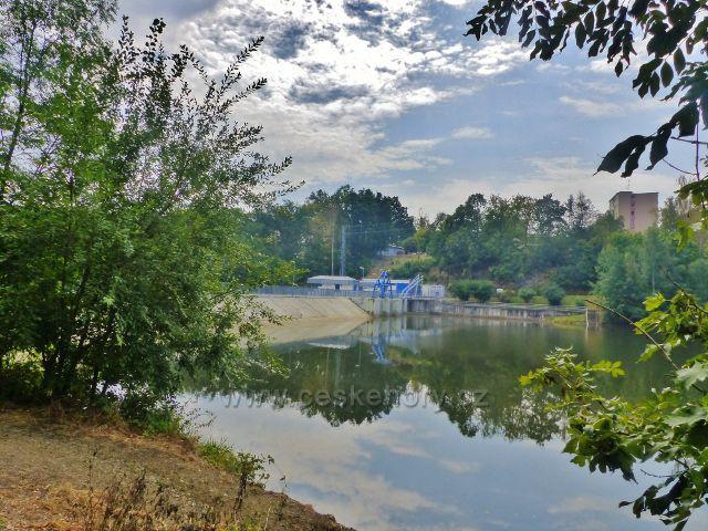 Cheb - hráz vodní nádrže Skalka