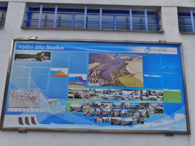 Cheb -panel Vodní dílo Skalka na zdi objektu  malé vodní elektrárny