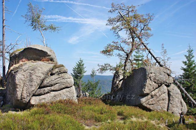 Polední kameny