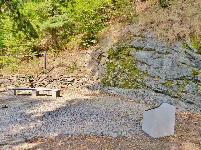 Cheb - Goethova lavička pod přehradou Skalka