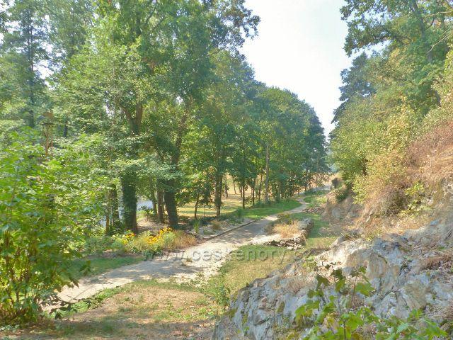 Cheb - ulice Kachní kámen pod přehradou Skalka
