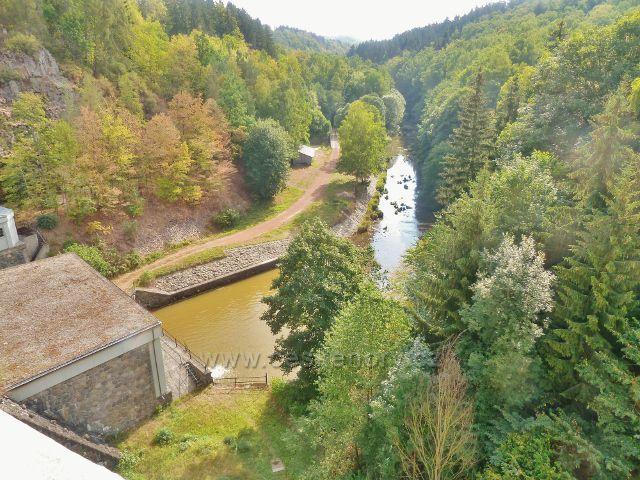 Přehrada Seč - řeka Chrudimka pod hrází