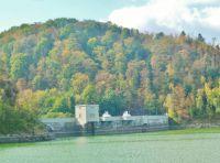Přehrada seč - vnitřní strana přehradní hráze