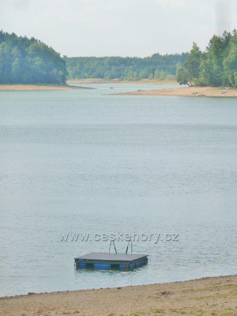 Přehrada Seč - pohled od autokempu Seč na přehradu