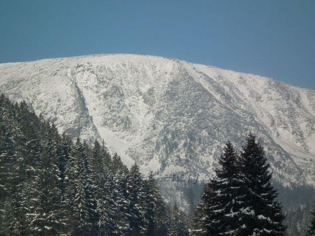 Studniční hora z Pece pod Sněžkou