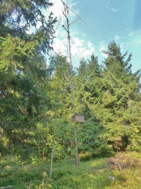 Suchý vrch - anténa radioamatérů na vrcholu Suchého vrchu