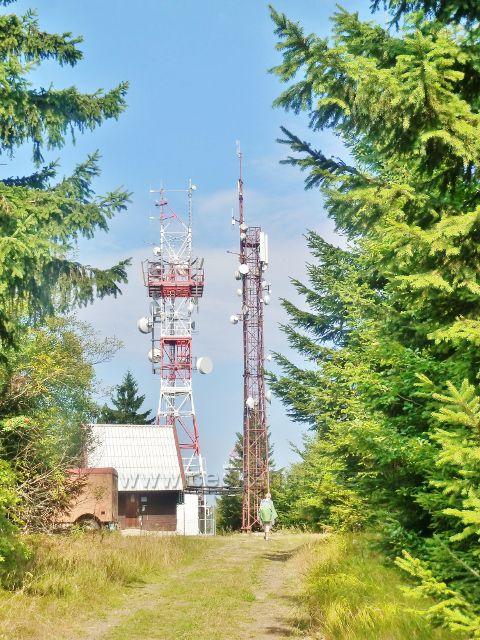 Suchý vrch - telekomunikační věže nad Kramářovo chatou