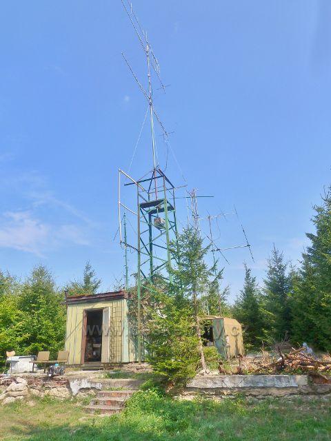 Suchý vrch - radioamatérské antény na vrcholu Suchého vrchz
