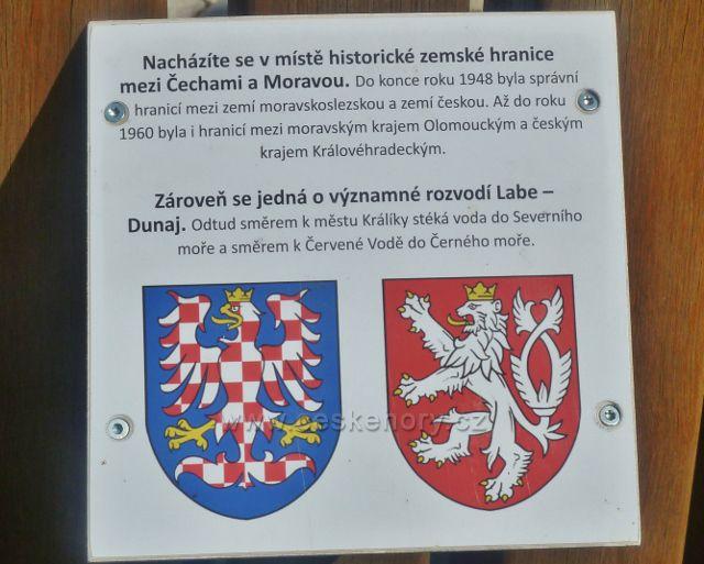 Šanov - informační tabulka na odpočinkovém místě u cyklostezky z Králík do Červené vody