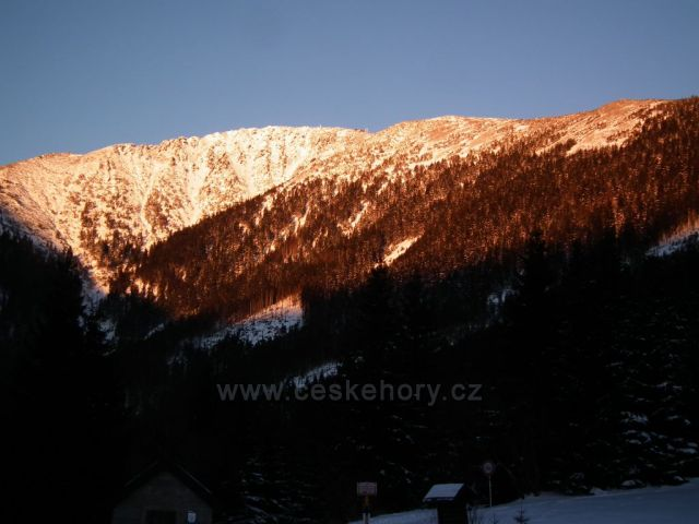 Snežka v západu Slunce