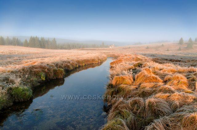 Podzimní mlhavá Jizerka.