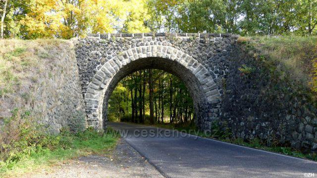Prácheň, viadukt zaniklé železniční tratě