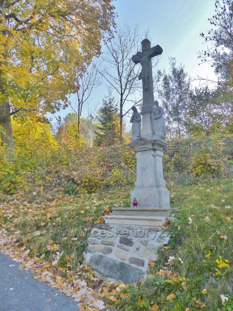 Petrovičky - restaurovaná kalvarie u čp.1