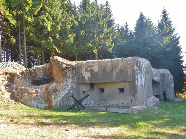 Petrovičky - pěchotní srub K-S-37 Rozhledna