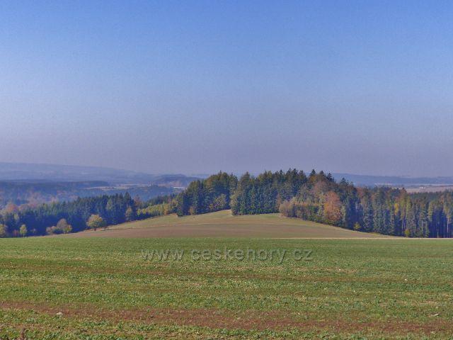Vlčkovice - pohled z Kostelního vrchu směrem ke Klášterci nad Orlicí