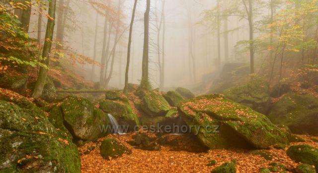 Podzimní jinotaj na Černém Štolpichu