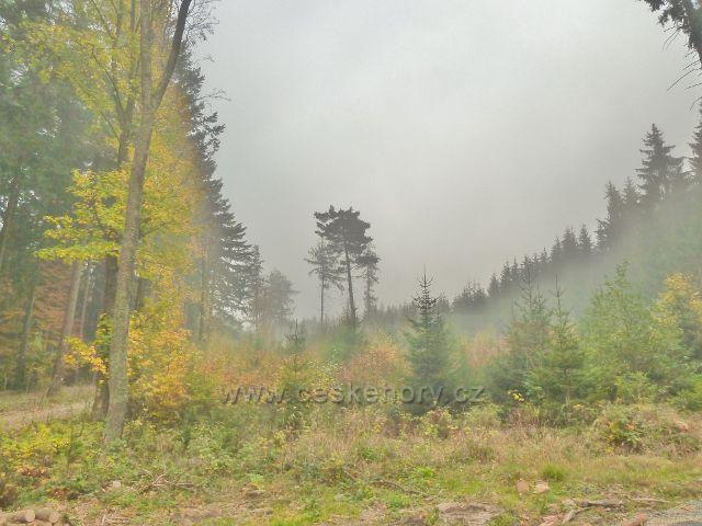 Lichkov - mlha na úpatí vrchu Bouda