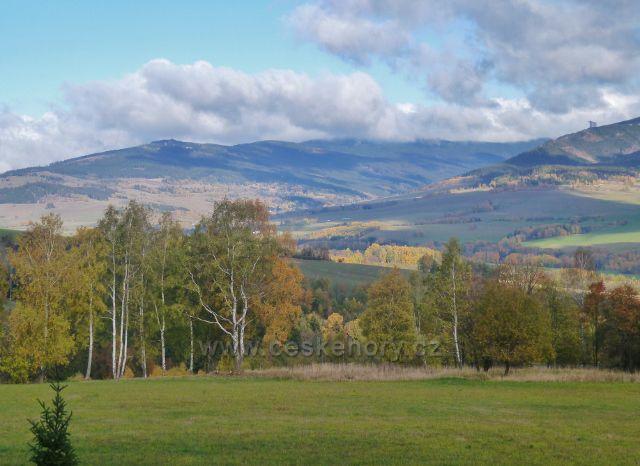 Zlatý Potok - pohled do údolí horního toku řeky Moravy