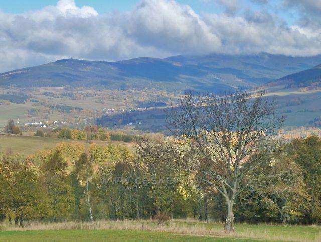 Zlatý Potok - pohled do údolí Dolní Moravy